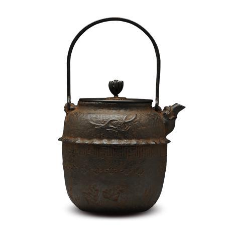 100%日本堂口直供-般若勘溪作筋目枫地纹铁壶