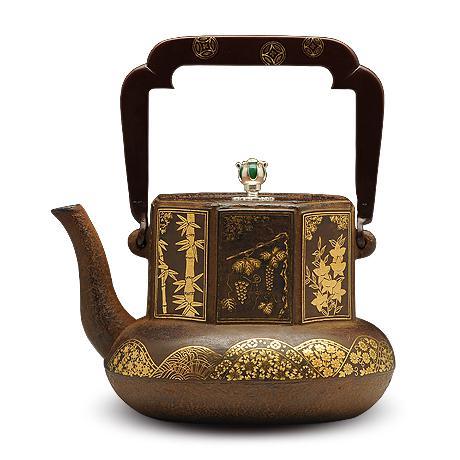 100%日本堂口直供-云色堂 满工嵌金八角茶磨形铁壶