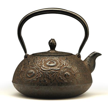 100%日本堂口直供-宝珠型砂铸牡丹铁壶