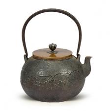 100%日本堂口直供--金寿堂雨宫造 嵌银点铁包银老铁壶