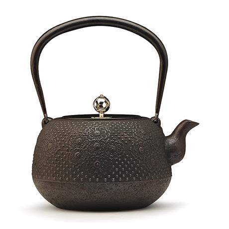 宜兴紫砂-枣形樱银摘铁壶--长寿堂
