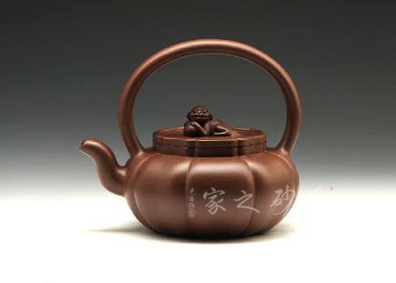 宜兴紫砂壶-狮球提梁-原矿底槽青-陶长辉