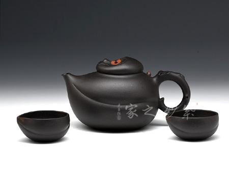 宜兴紫砂壶-灵猴献瑞-黑泥-蒋艺华
